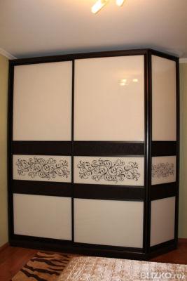 Угловой шкаф-купе Ярослава с распашной дверью от компании ме.