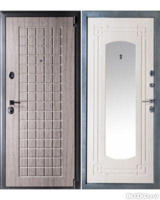 входная металлич дверь с зеркалом